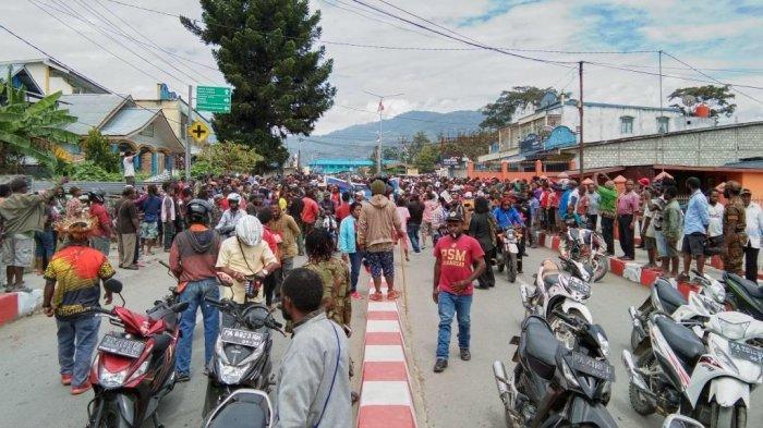 Aksi Demo Susulan di Jayapura, Massa Rusuh Lempari Batu hingga Akses Jalan Kota Jayapura Ditutup
