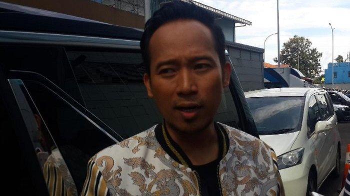 Denny Cagur usai mengisi sebuah acara di kawasan Tendean, Jakarta Selatan, Jumat (28/12/2018).