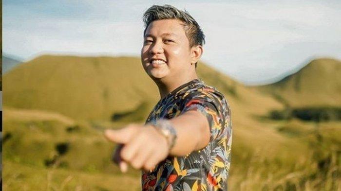 Chord Gitar Lagu Tanpo Tresnamu - Denny Caknan, Lengkap dengan Lirik dan Video Klipnya