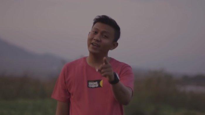 Chord Gitar Titipane Gusti - Denny Caknan: Iklasno Atimu, Pasrahne Ning Aku