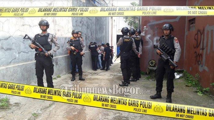 Gerebek Rumah Terduga Teroris di Cilincing, Polisi Temukan Puluhan Barang Bukti