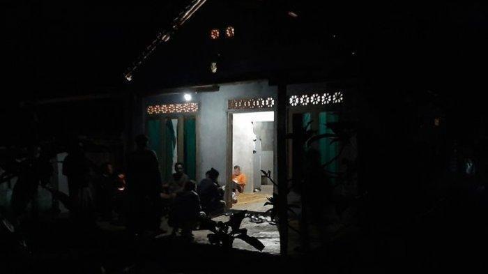 Rumah Buruh Bangunan di Gunungkidil Digeledah Densus 88, Temukan Senapan Angin Hingga Laptop