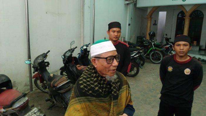 Densus 88 jemput terduga teroris jaringan Abu Zee di Lampung. Tribunlampung.co.id/Hanif Mustafa