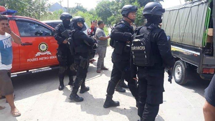 Densus 88 Tangkap 9 Terduga Teroris di Tambun dan Cilincing, Pagi Tadi