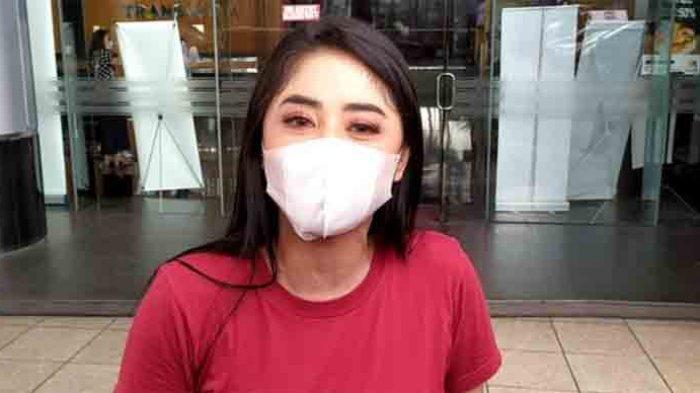 Dewi Perssik Bongkar Alasannya Ngamuk di IG, Tak Terima Dokternya Disebut Abal-abal oleh Richard Lee