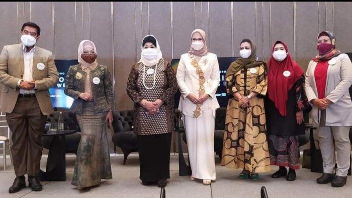 Dewi Motik Pramono Apresiasi Desainer Nina Septiana Penggagas Professional Women's Week 2021