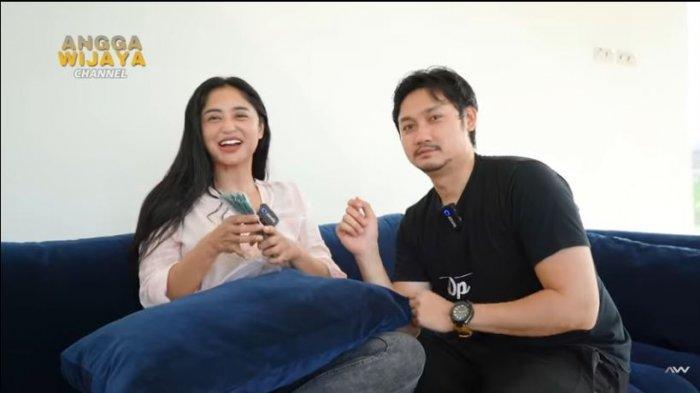 Setelah empat tahun menikah dengan Angga Wijaya, Dewi Perssik akhirnya mendapat nafkah dari sang suami.