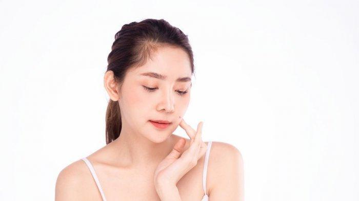 Meski Tanpa Makeup Kamu Tetap Bisa Dapatkan Dewy Skin, Ini Caranya!