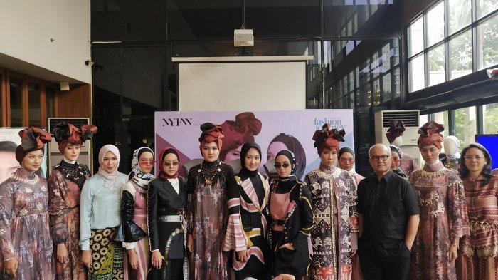 Dian Pelangi dan Itang Yunasz Bareng Wardah Kembali Tampil di NY Fashion Week