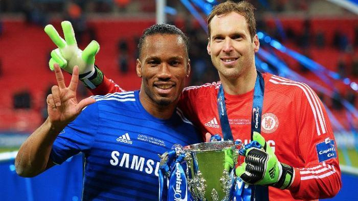 Didier Drogba dan Petr Cech