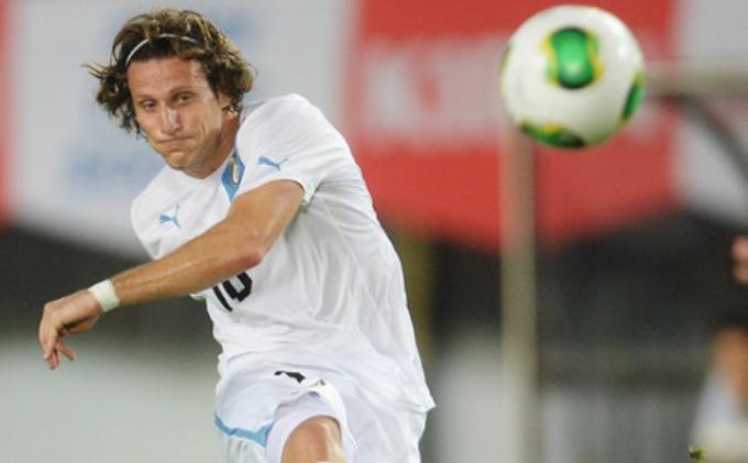 5 Mantan Pemain Bintang Liga Spanyol yang Kini Jadi Pelatih, dari Van Bronckhorst hingga Forlan