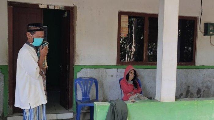 Kisah Seorang Ibu dan Anak di Kulon Progo Tak Mau Keluar Kamar Sejak Ayah Meninggal