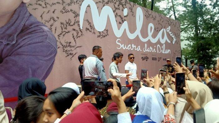 Tingkah Iqbaal Ramadhan Bikin Penonton dan Penggemar Gagal Fokus