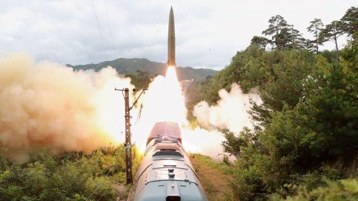 Korea Utara Uji Coba Rudal Balistik Yang Diluncurkan dari Kereta Api