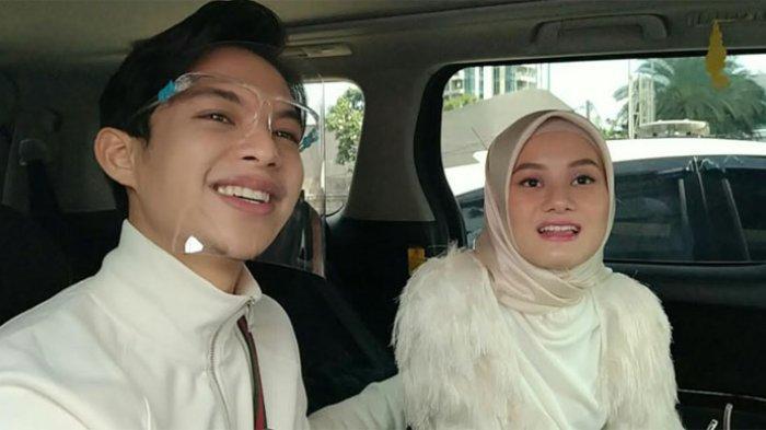 Dinda Hauw yang ditemui bersama Rey Mbayang di gedung Trans TV, Jalan Kapten Tendean, Mampang Prapatan, Jakarta Selatan, Kamis (24/12/2020).
