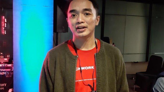 Dipha Barus saat peluncuran video musik 'You Move Me' di Pon Your Tone di kawasan Kemang, Jakarta Selatan, Kamis (19/12/2019) malam.