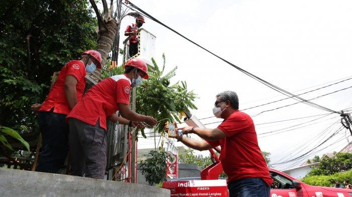 Direksi Telkom Tinjau Lokasi Terdampak Banjir Jakarta untuk Pastikan Kualitas Layanan
