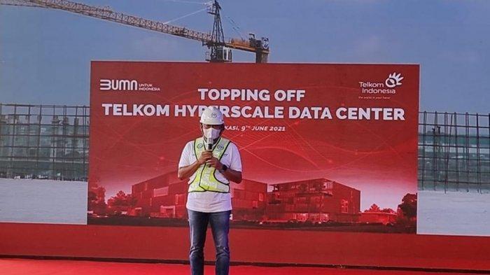 Direktur Utama Telkom Ririek Adriansyah topping off HDC