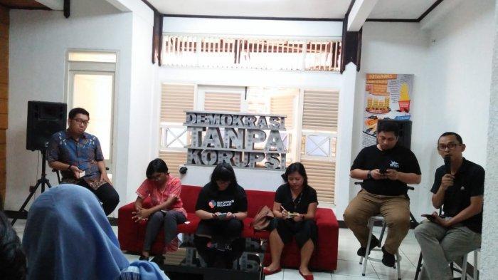 Diskusi di Kantor ICW Jakarta Selatan pada Minggu (3/11/2019).