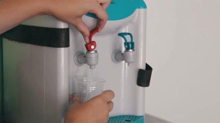 Cara Mudah Membersihkan Dispenser, Idealnya Dibersihkan Setiap 6 Minggu Sekali