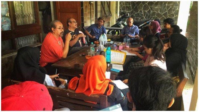 Djaduk sedang rapat penyelenggaraan Event NGAYOGJAZZ yang akan digelar tgl 16 Nov 2019 di desa Kwagon, Godean, Sleman Jogjakarta.