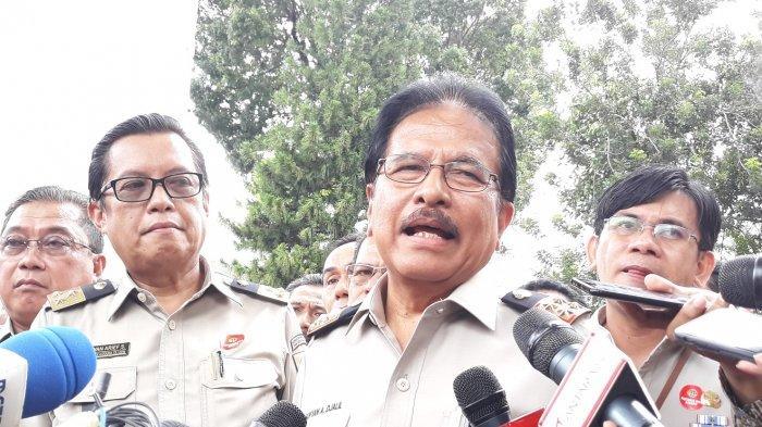 Menteri ATR/Kepala BPN Sofyan Djalil dan Sekjen ATR/BPN, Himawan usai menghadiri Rakernas di Istana Negara, Rabu (6/2/2019)