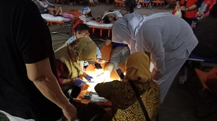 Posko Kesehatan di PGP Bekasi Minim Penerangan, Tindakan Medis Hanya Berbekal Cahaya Santer Ponsel