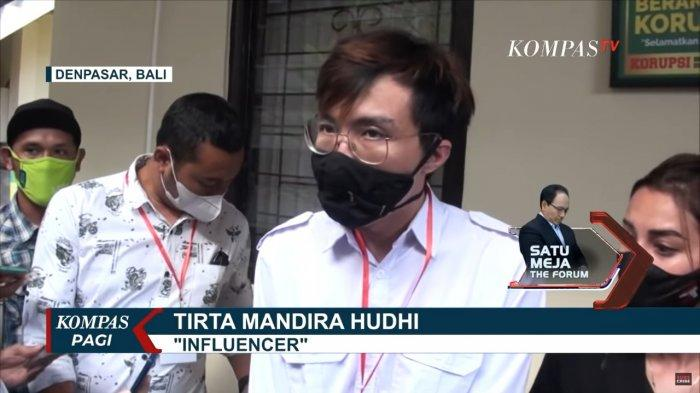 Dokter sekaligus influencer, Tirta Mandira Hudhi