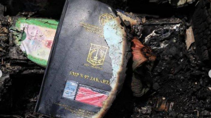 Dokumen milik korban kebakaran di Matranan yang terbakar.