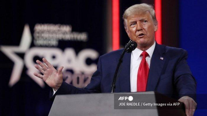 Mantan Presiden AS Donald Trump berpidato di Conservative Political Action Conference (CPAC) yang diadakan di Hyatt Regency pada 28 Februari 2021 di Orlando, Florida.