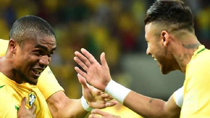 Douglas Costa Ingin Dampingi Neymar di Olimpiade