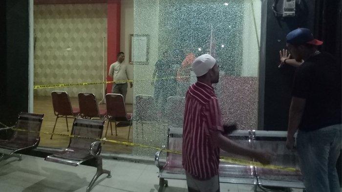 Kantor DPA Partai Aceh Diduga Jadi Sasaran Penyerangan, Kaca Pecah Berserakan
