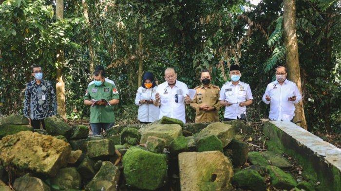Ziarah ke Makam Lasalaga, Ketua DPD RI Bantu Perbaikan Komplek Kuburan