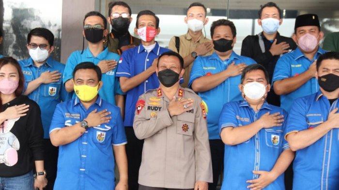 Sinergi DPP KNPI dan Polda Banten Bantu Masyarakat Terdampak Pandemi Covid-19