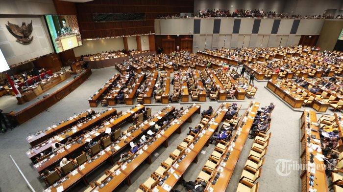 Pengamat Nilai Omnibus Law Bisa Jadi Solusi Lemahnya Ekonomi karena Corona