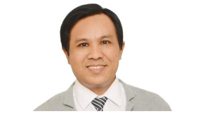 Dr. Agus Riwanto Pengajar Hukum Tata Negara Fakultas Hukum