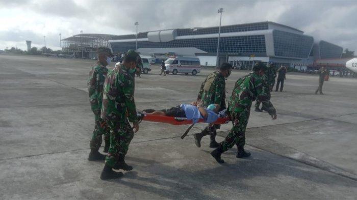 Dua anggota Tim Gabungan Pencari Fakta (TGPF) yang tertembak di Intan Jaya saat melakukan investigasi terkait penembakan pendeta Yeremias Zanambani, Sabtu (10/10/2020) dievakuasi ke Jakarta.