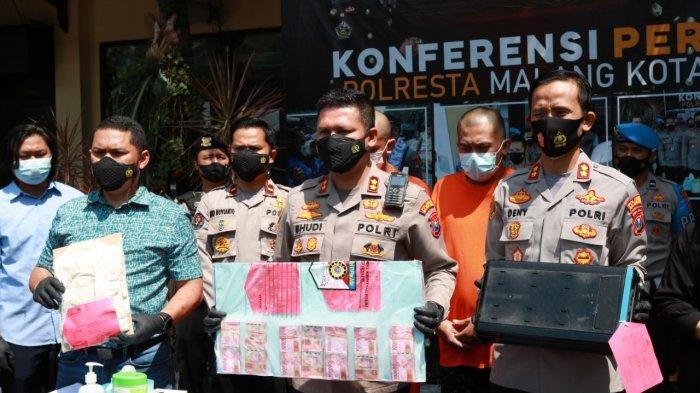 Terlilit Pinjaman dan Kalah Judi Online, Dua Pria di Malang Curi Uang di ATM Rp 498 Juta
