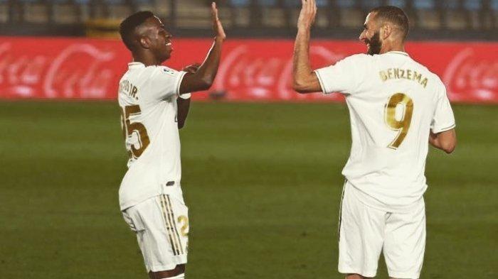 Dua pemain Real Madrid, Vinicius Junior dan Karim Benzema
