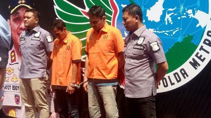 Ditresnarkoba Polda Metro Jaya akhirnya mengamankan dua orang pemasok sabu ke komedian Nunung Srimulat dan suaminya July Jan Sambiran.