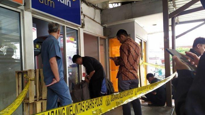 Dua unit ATM di Jalan Amir Machmud Kota Cimahi dibobol maling, Senin (9/12/2019) pukul 04.00 WIB. Tribunjabar/Syarif Pulloh Anwari