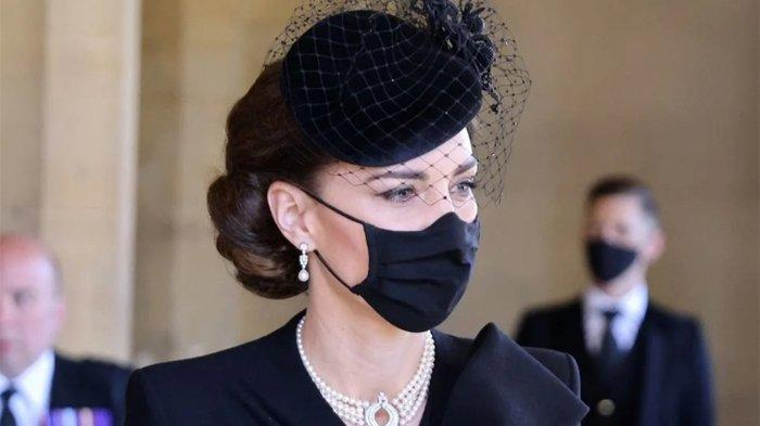 Kalung yang Dipakai Kate Middleton Saat Pemakaman Pangeran Philip Pernah Juga Dipakai Lady Diana