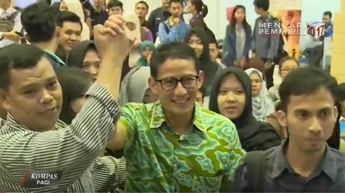 Sandiaga Disambut Tepuk Tangan Mahasiswa Saat Berikan Kuliah Kewirausahaan di Kampus YARSI