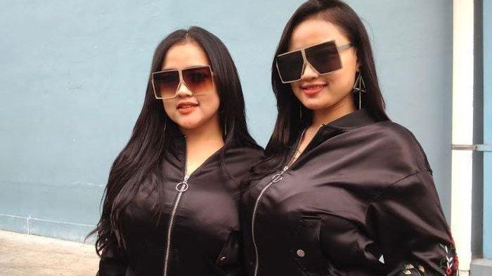 Duo Semangka mengaku siap tampil tidak seksi jika konsernya di Madura tidak dicekal.