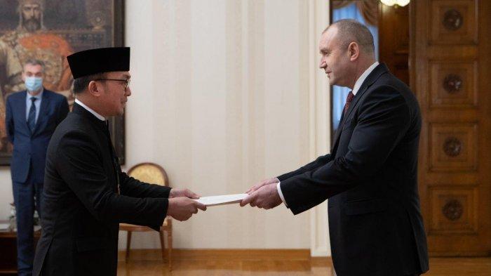 Dubes RI untuk Bulgaria Serahkan Surah Tugas pada Presiden Rumen Radev