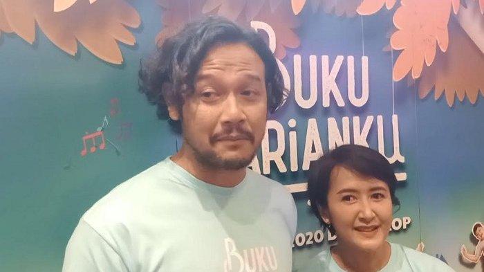 Dwi Sasono bersama istrinya, Widi Mulia, saat ditemui di FX Senayan, Jakarta Pusat, Selasa (4/2/2020).