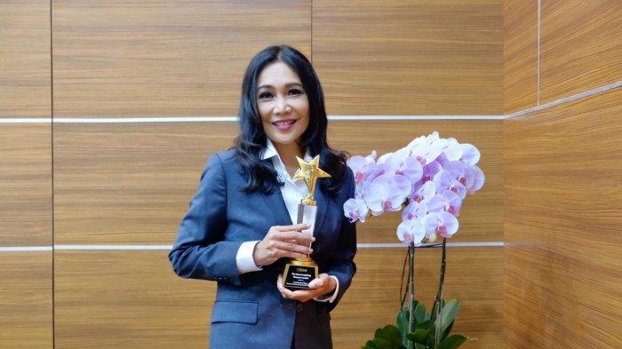 Hari Kartini, Dirut Peruri Sabet Penghargaan The Most Inspiring Woman Leader