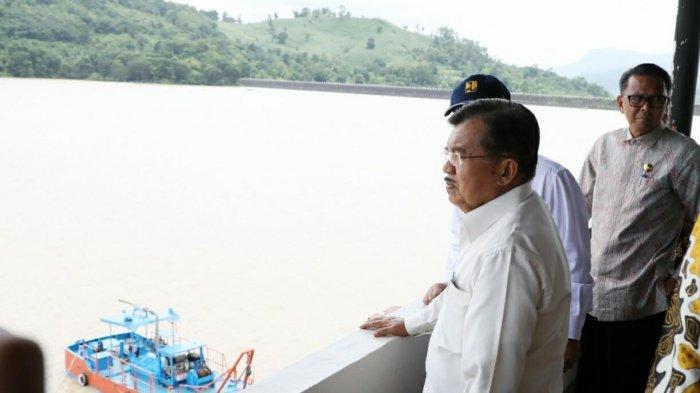 Tiba Di Sulsel, JK dan Sejumlah Menteri Langsung Tinjau Sungai Jeneberang di Gowa
