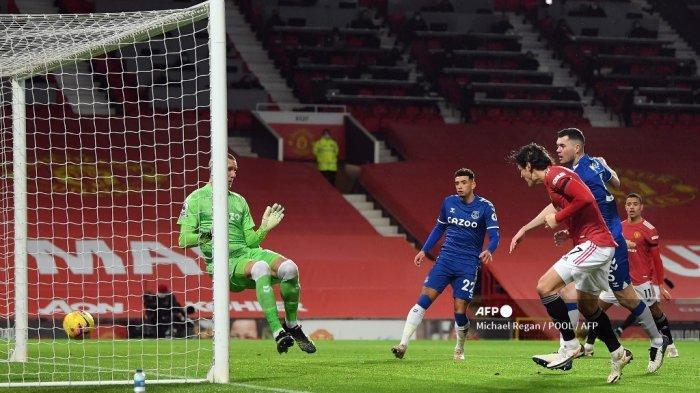 HASIL Liga Inggris MU vs Everton Babak 1: Cavani Cetak Gol Sundulan Maut, Setan Merah Unggul 2-0