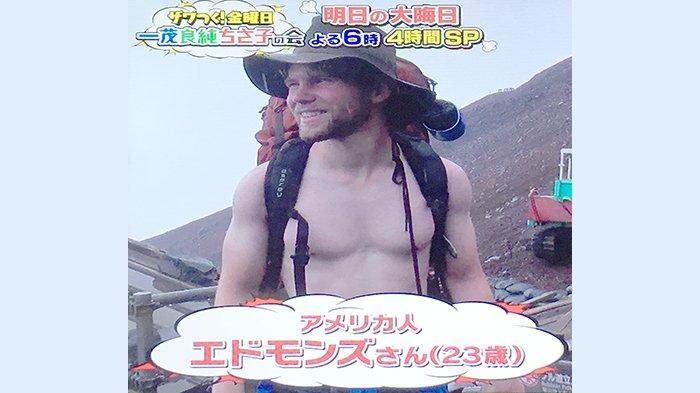 Turis Amerika Dimarahi Saat Menuju Kuil di Gunung Fuji Jepang dengan Bertelanjang Dada
